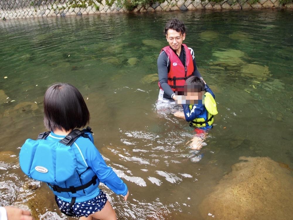 郡上での川遊び